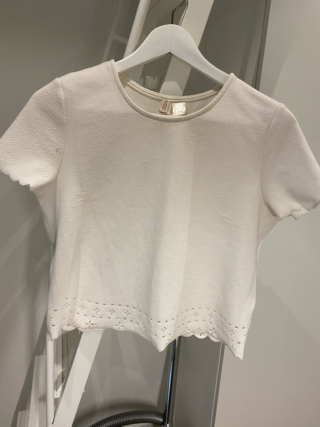 Women's tops & t-shirts - DIVIDED BY H&M photo 1