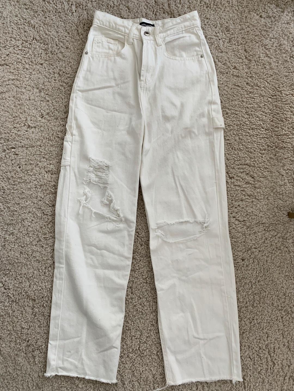 Women's trousers & jeans - PRETTYLITTLEHING photo 2
