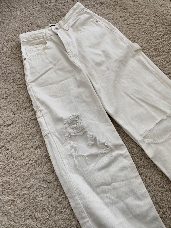 Women's trousers & jeans - PRETTYLITTLEHING photo 3
