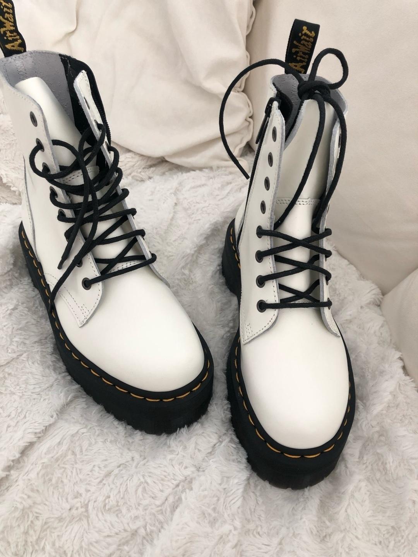 Women's boots - DR. MARTENS photo 1
