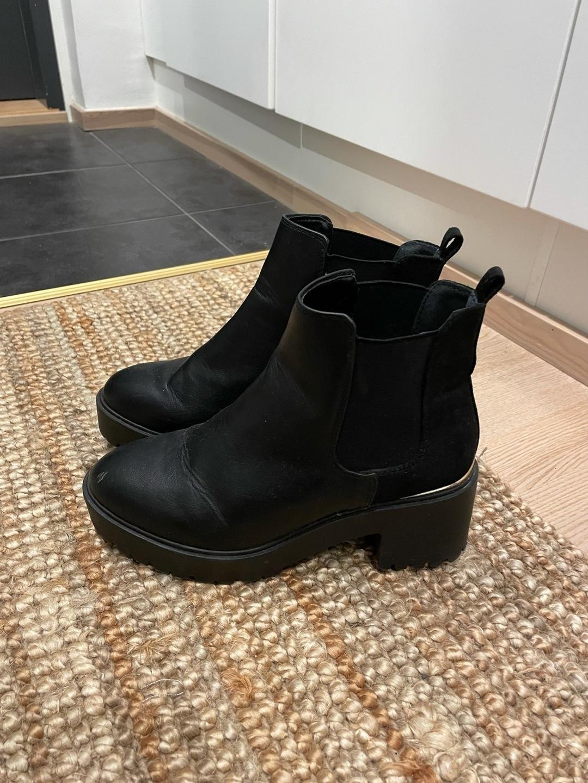 Women's boots - LOVE YOURSELF & FASHION photo 1