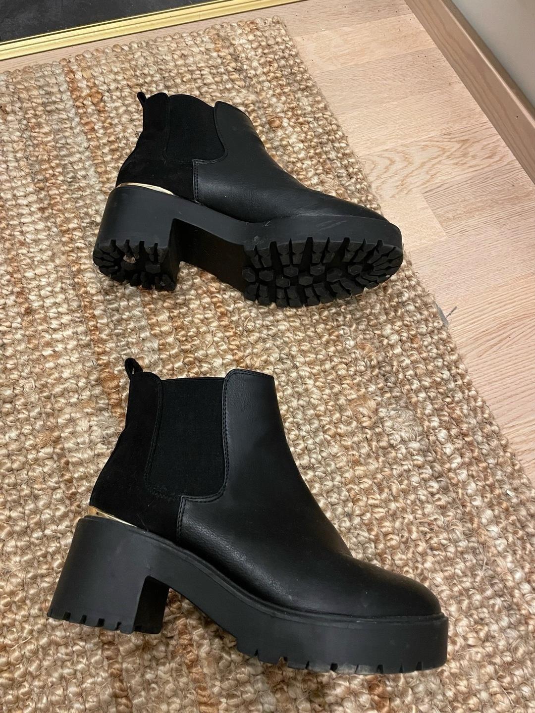 Women's boots - LOVE YOURSELF & FASHION photo 2