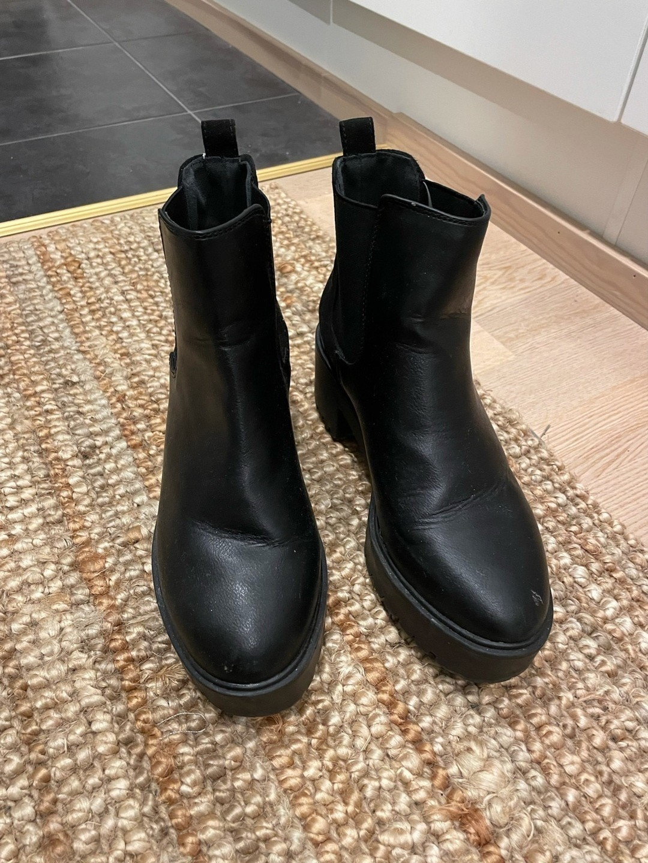 Women's boots - LOVE YOURSELF & FASHION photo 3