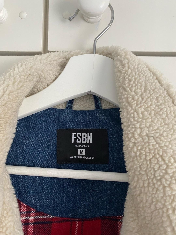 Women's coats & jackets - FDBN photo 3