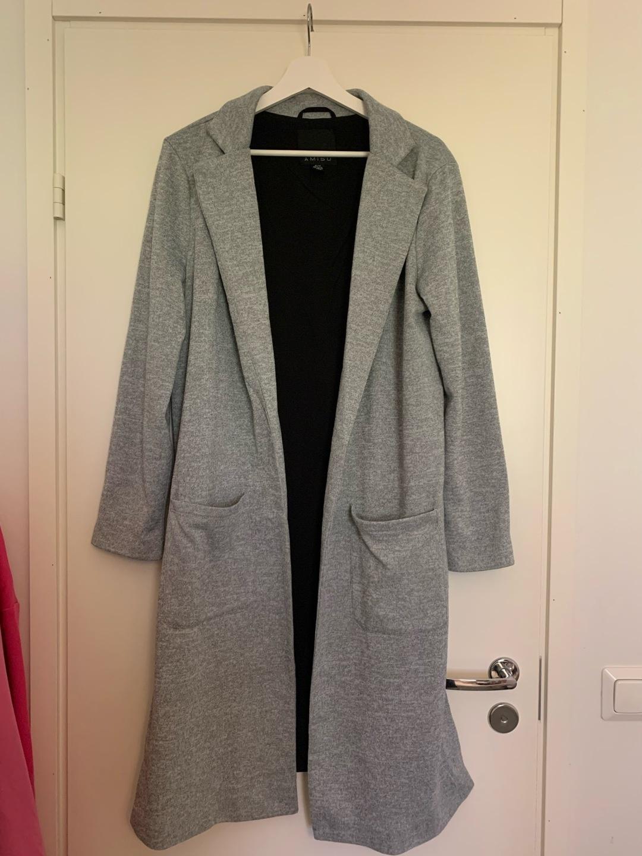 Naiset takit & jakut - AMISU photo 1