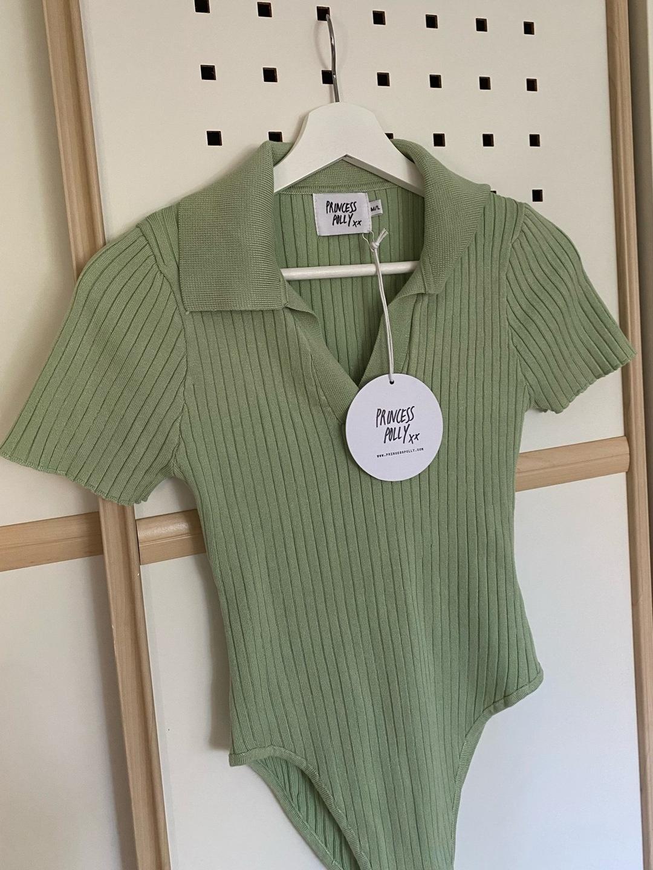 Women's tops & t-shirts - PRINCESS POLLY photo 1