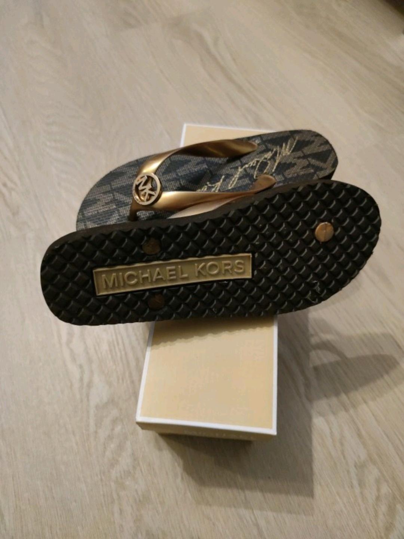 Women's sandals & slippers - MICHAEL KORS photo 2