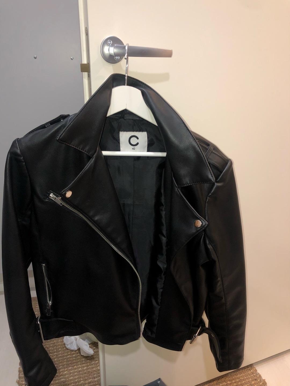 Naiset takit & jakut - CUBUS photo 1