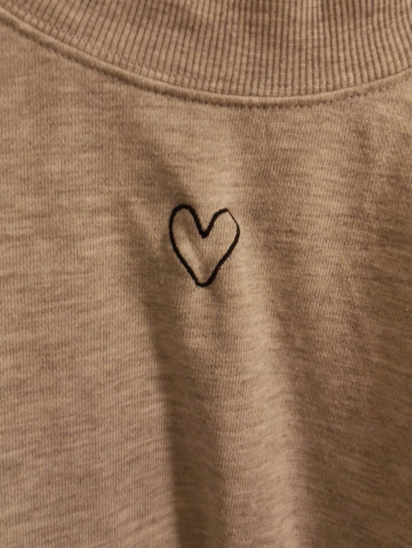 Women's hoodies & sweatshirts - MONKI photo 2