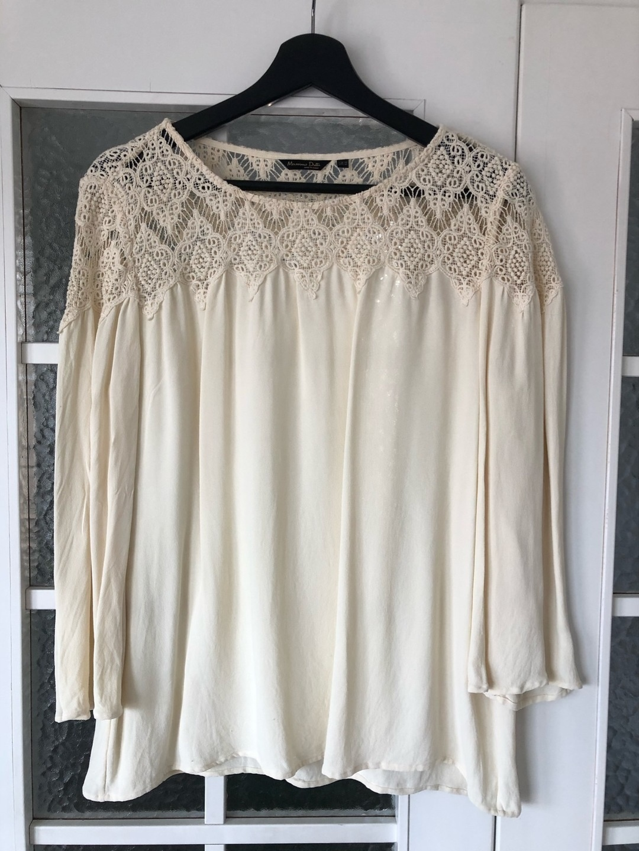 Women's blouses & shirts - MASSIMO DUTTI photo 1