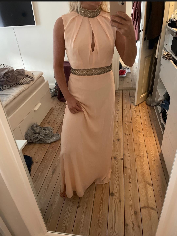 Women's dresses - TFNC LONDON photo 1
