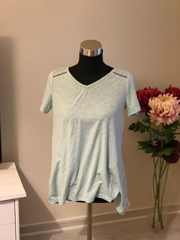 Women's tops & t-shirts - XIN YI photo 1