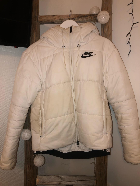 Women's coats & jackets - NIKE photo 1