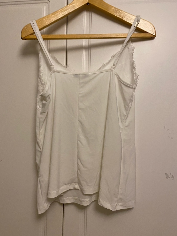 Naiset topit & t-paidat - AMISU photo 2