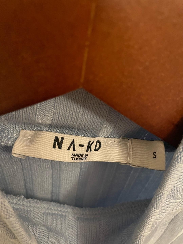 Naiset topit & t-paidat - NA-KD photo 2
