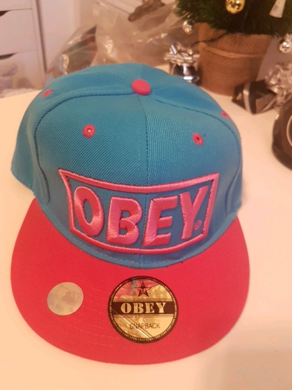 Women's hats & caps - OBEY photo 1