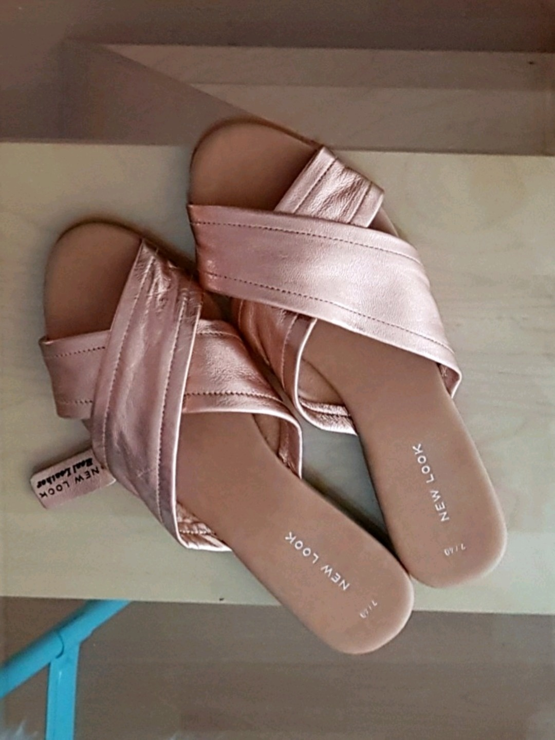Women's sandals & slippers - NEW LOOK photo 1