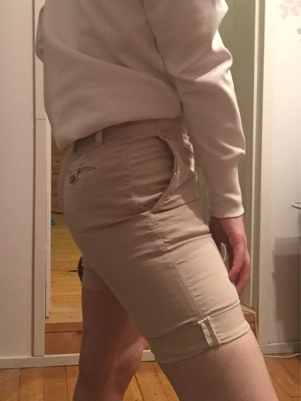 Women's shorts - GANT photo 2
