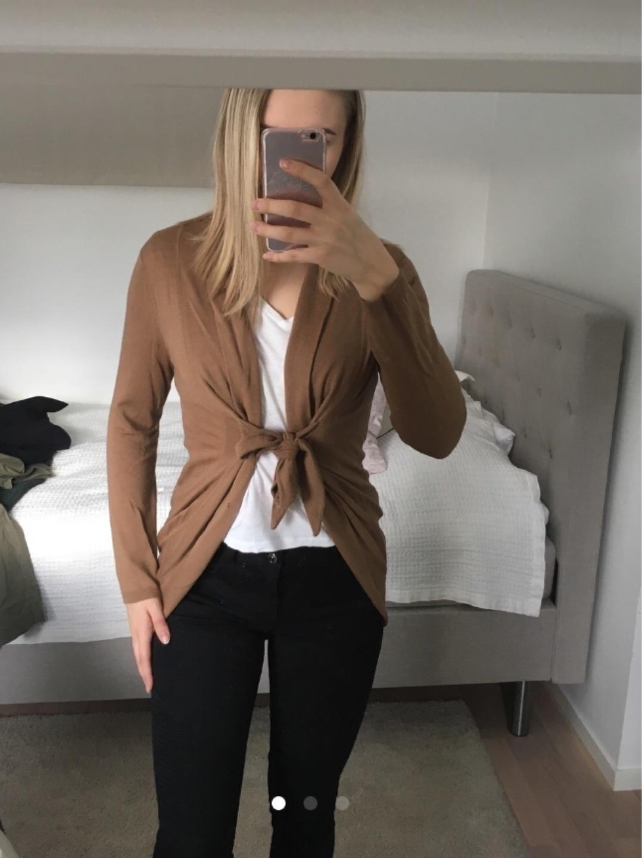 Damers trøjer og cardigans - ANDIATA photo 2