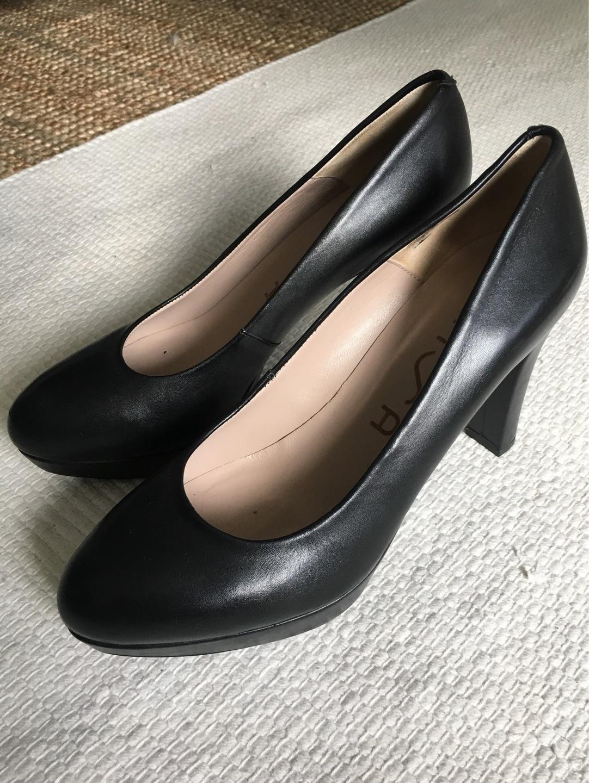 Women's heels & dress shoes - UNISA photo 1
