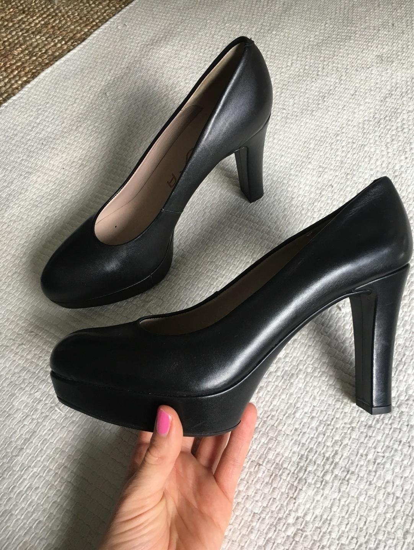 Women's heels & dress shoes - UNISA photo 2