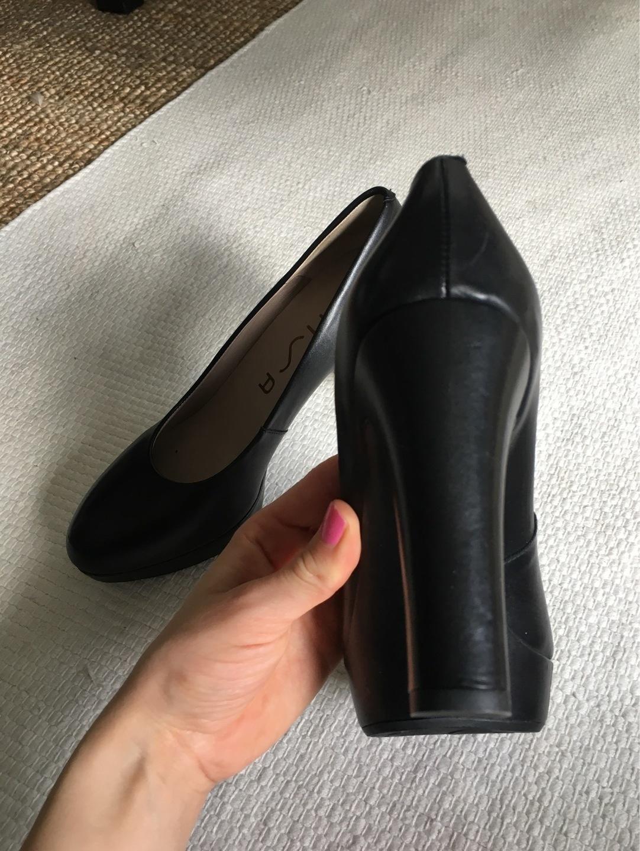 Women's heels & dress shoes - UNISA photo 3
