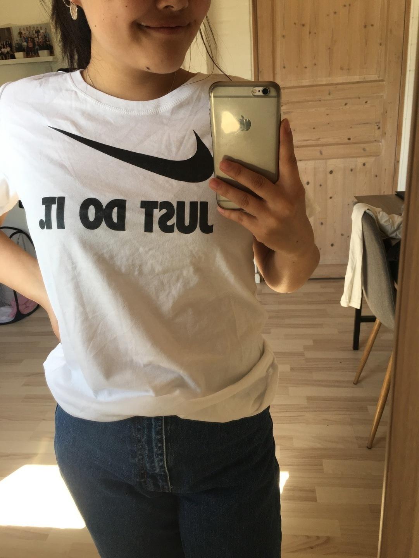 Women's tops & t-shirts - NIKE photo 2