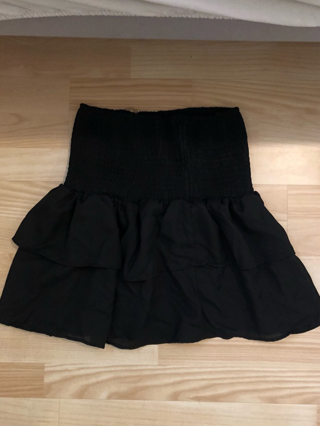 Women's skirts - SISTERS POINT photo 1
