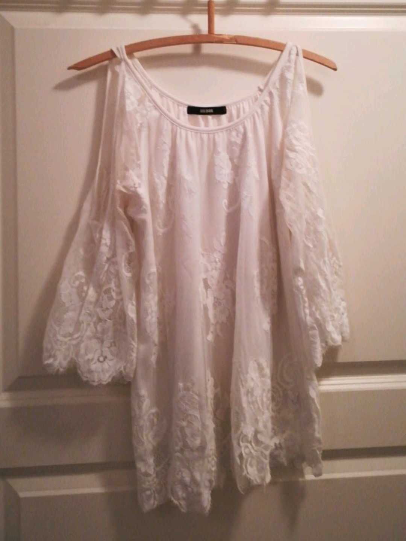 Damen blusen & t-shirts - BIK BOK photo 1
