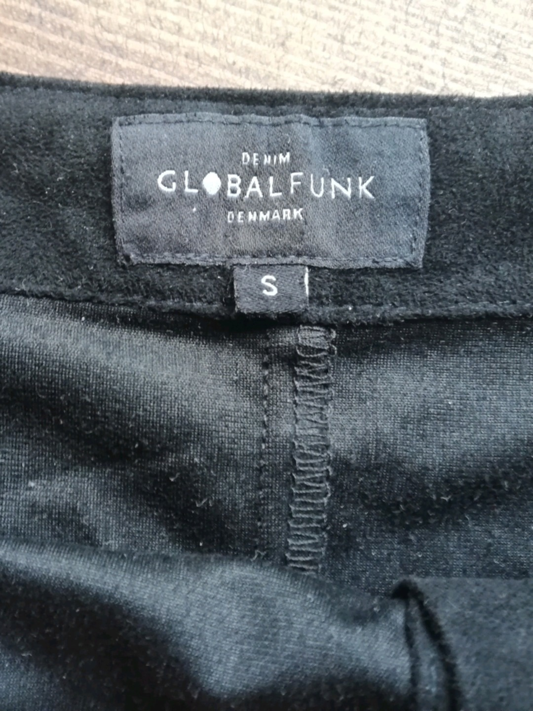 Women's skirts - GLOBAL FUNK photo 2