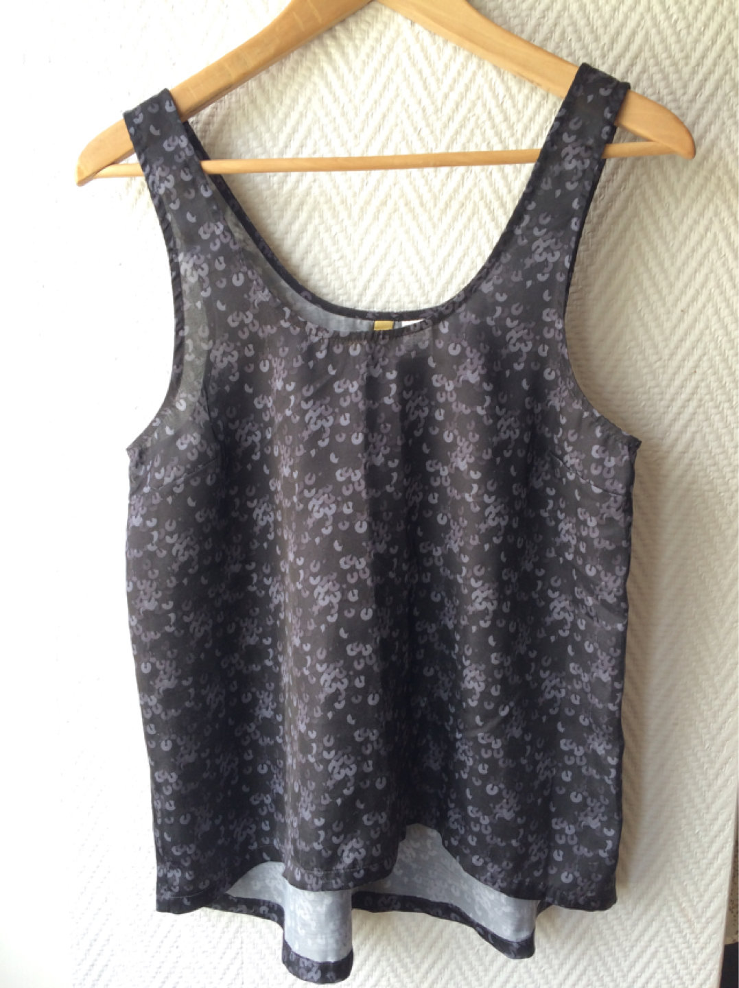 Damen tops & t-shirts - DIVIDED BY H&M photo 1