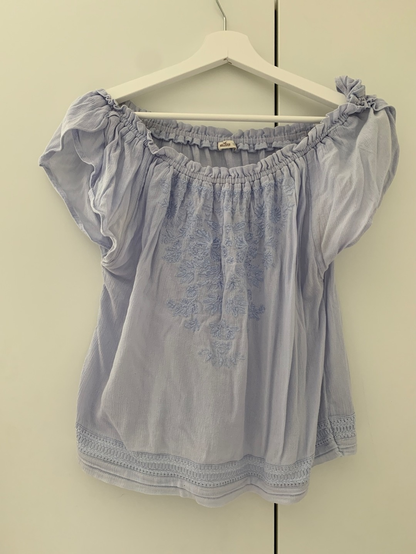 Women's blouses & shirts - HOLLISTER photo 1