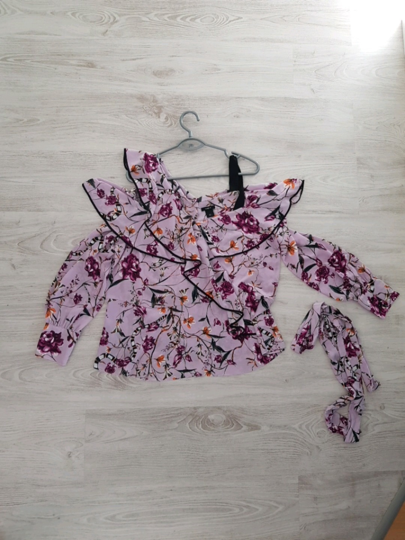 Damen blusen & t-shirts - LINDEX photo 1