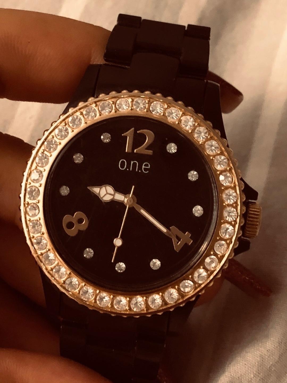 Damen armbanduhren - O.N.E photo 1