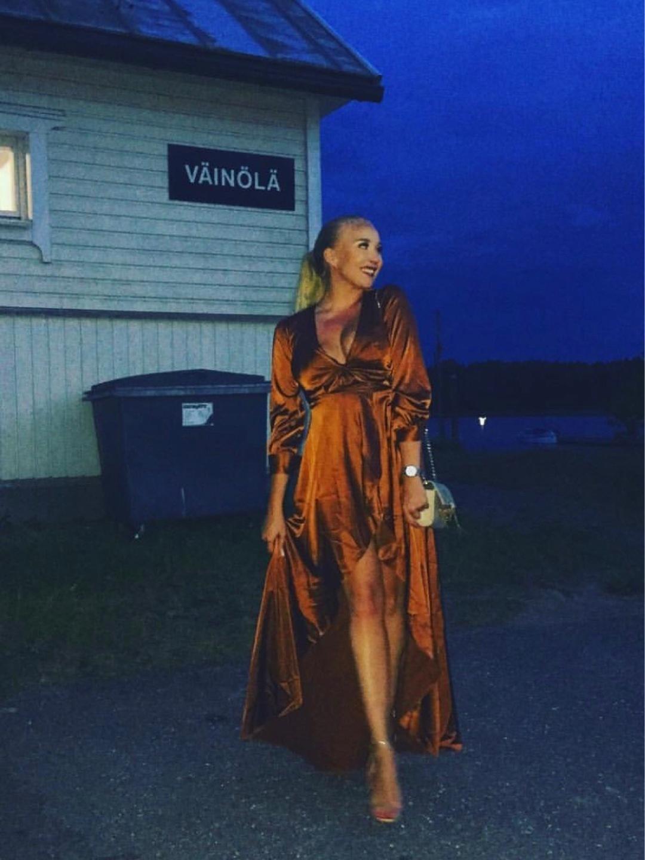 Damers kjoler - FASHION NOVA photo 1