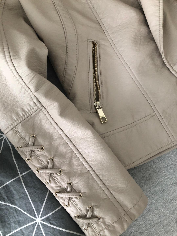 Naiset takit & jakut - GUESS photo 3