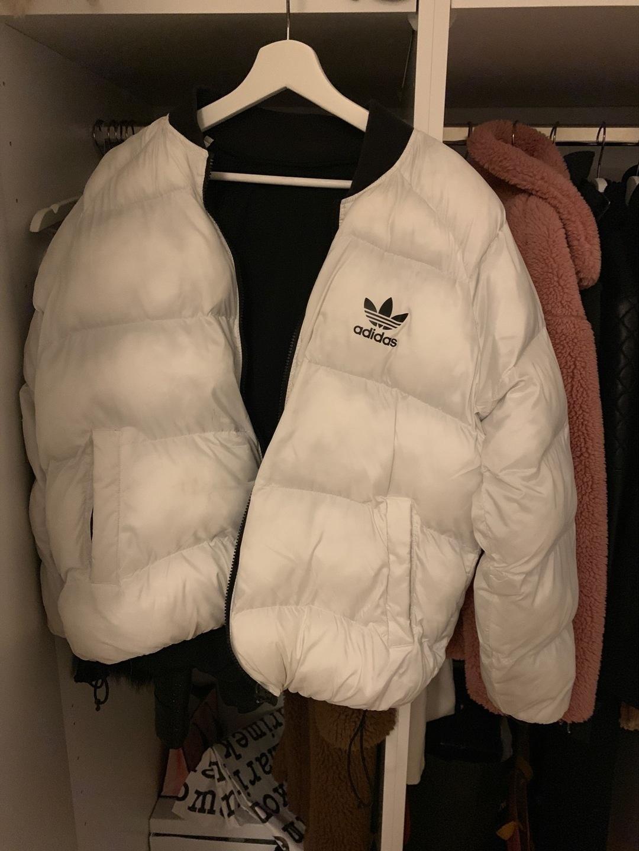 Naiset takit & jakut - ADIDAS photo 1