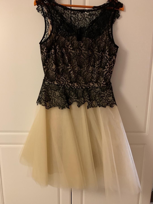 Women's dresses - DERHY X photo 1