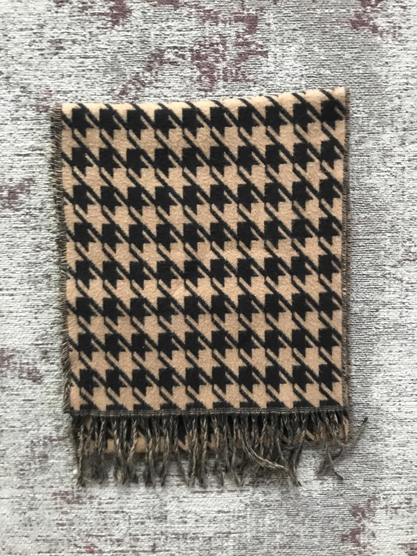 Women's scarves & shawls - - photo 1