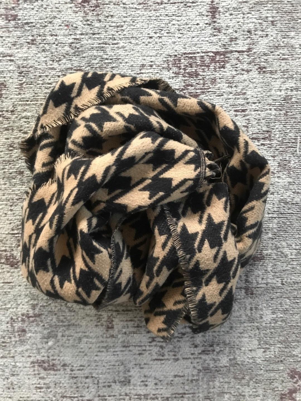 Women's scarves & shawls - - photo 2
