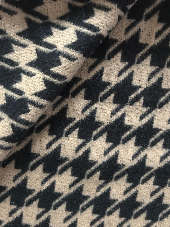 Women's scarves & shawls - - photo 3