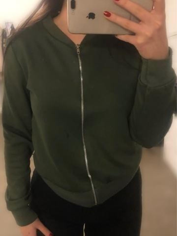 Damen kapuzenpullover & sweatshirts - PRETTYLITTLETHING photo 1