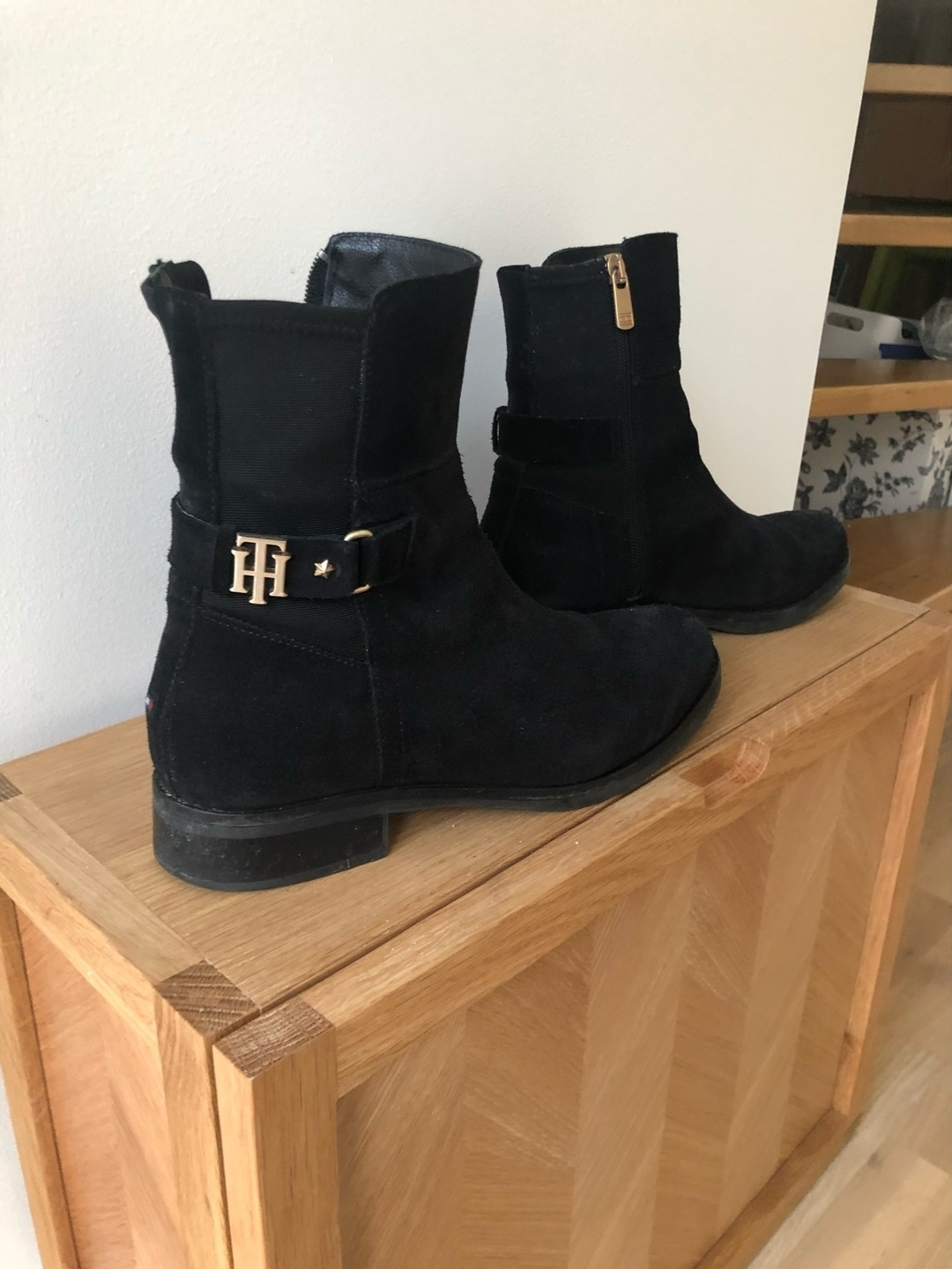 Women's boots - TOMMY HILFIGER photo 1