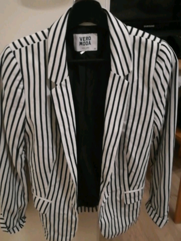 Women's coats & jackets - VERO MODA photo 1
