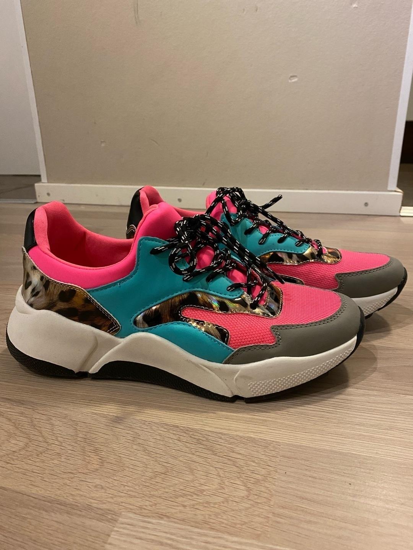 Women's sneakers - VAMSKO photo 1