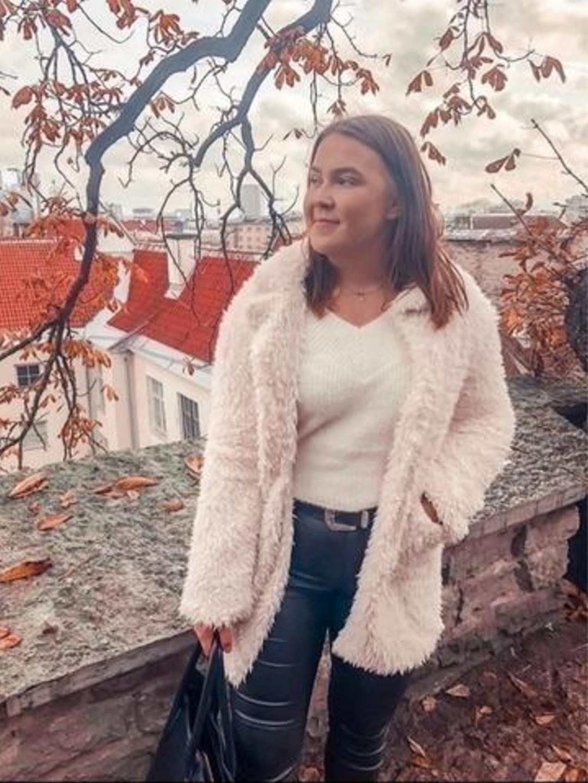 Naiset takit & jakut - AMISU photo 2
