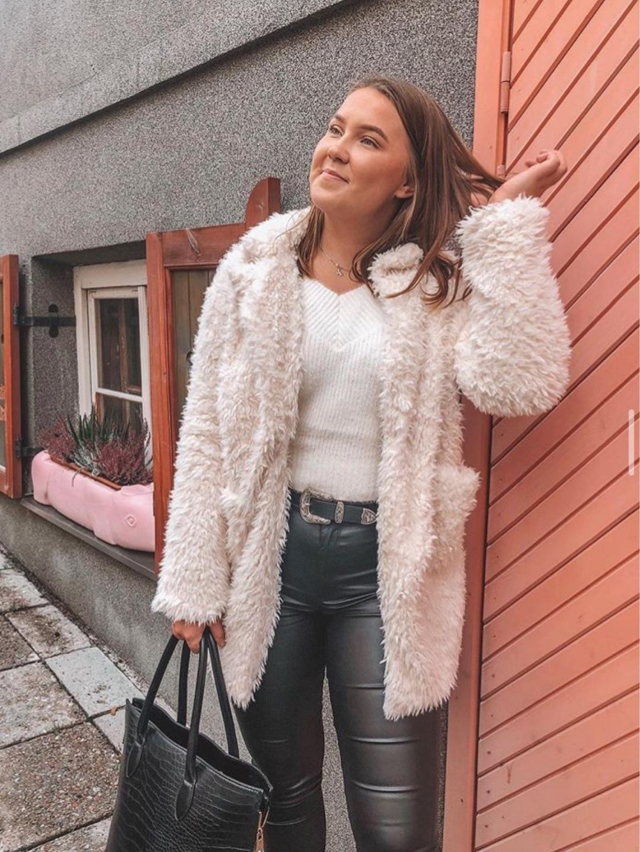 Naiset takit & jakut - AMISU photo 3