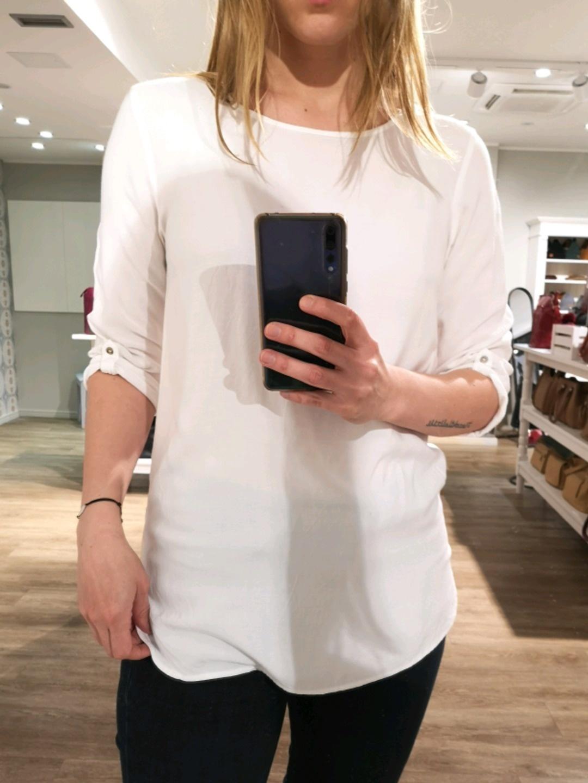Damen blusen & t-shirts - VERO MODA photo 1