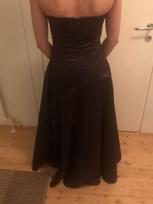Damen kleider - CUSTOM-MADE photo 2