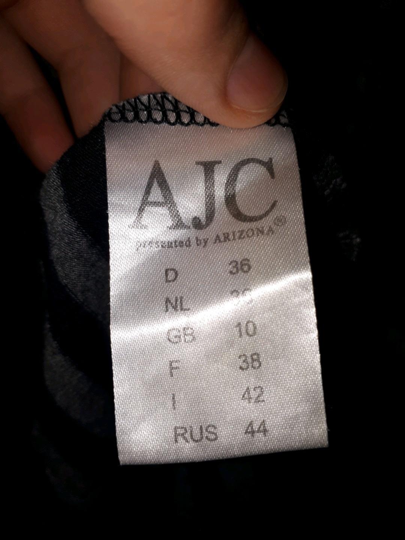 Naiset neuleet & villatakit - AJC photo 3